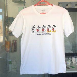 Uniqlo Disney Mickey Mouse T-shirt sz xs